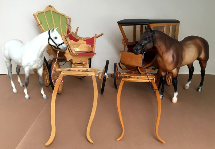Two miniature carriages with model horses - wood and plastic - Netherlands