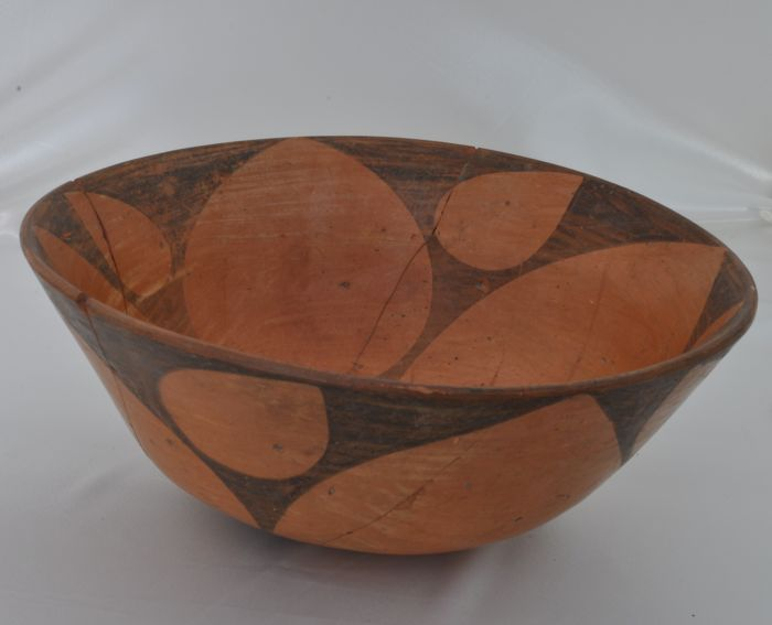 """A Neolithic Ceramic Vessel """"Fruits Bowl"""" - H. 140 mm - Very Rare"""