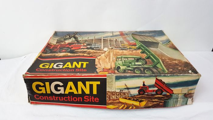"Technofix, Western Germany - Length 55 cm - Plastic / tin ""Gigant Construction Site"" with battery motor, 1960s"