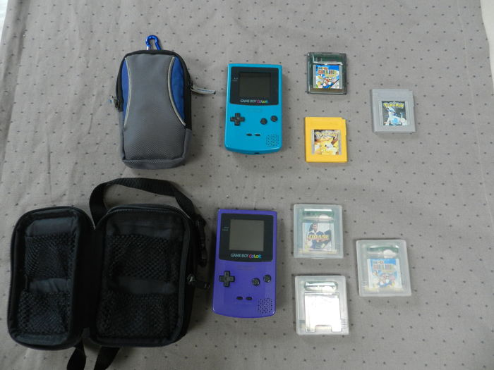 2 Gameboy Color including 6 games like Pokemon Silver + Yellow and more
