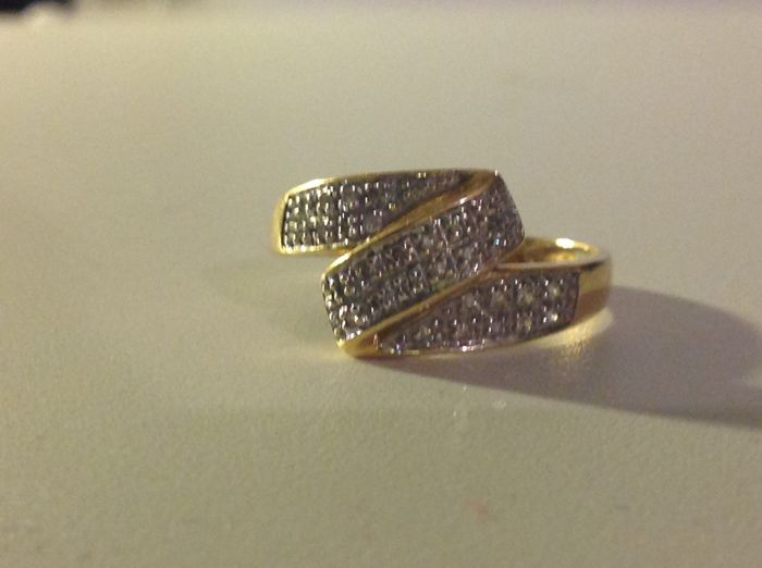 18 kt gold ring with diamonds (NO RESERVE PRICE)