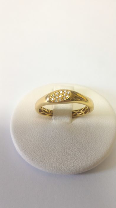 18 kt yellow gold ring by Giorgio Visconti with brilliant cut diamonds Size: 14/54