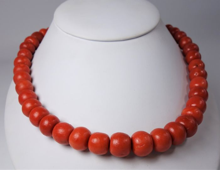 Antique necklace with very large precious corals - Diamete: 9 - 13.8 mm
