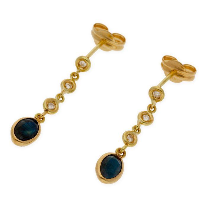 18 kt yellow gold - Earrings - Oval-cut sapphire 1.20 ct - Brilliant-cut diamond 0.20 ct - Earring height 23.10 mm