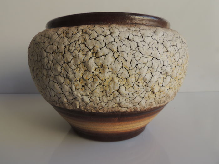 Louis Dage - Bowl vase made of mottled glazed stoneware