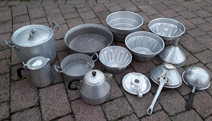 Lot of 13 aluminium kitchen utensils from the 1940s/1950s