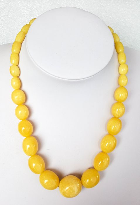 Baltic Amber necklace royal white butter colour, 46g