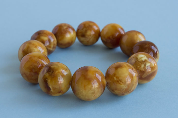 Baltic Amber bracelet butterscotch colour with marble effect, 38 gr., No Reserve