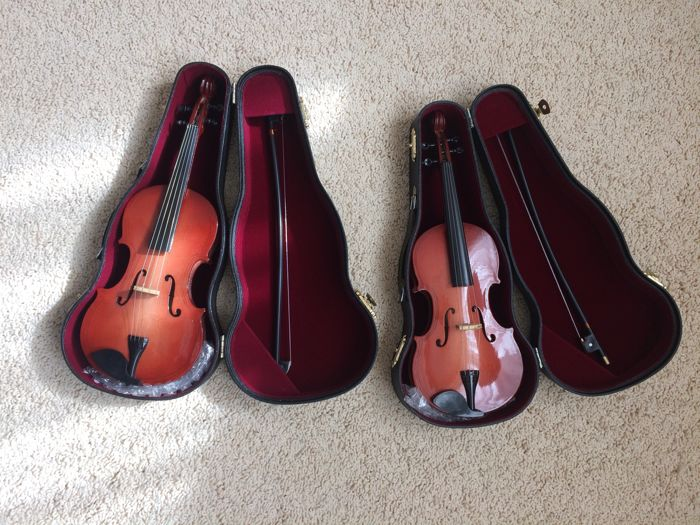 TWO BEAUTIFUL MINI VIOLINS IN CASE WITH BOW  20th century.