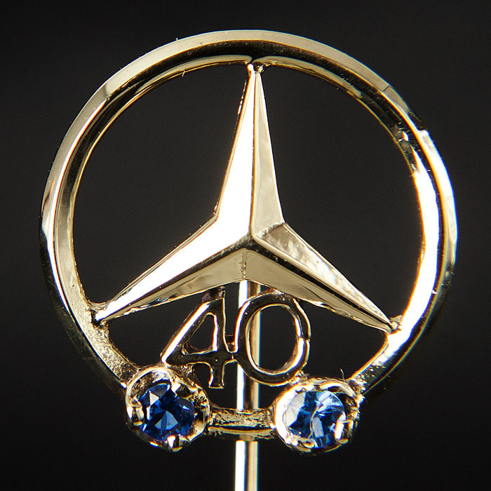 Insigne - Mercedes Benz 40 Years Pin 585 Gold Logo Emblem  - 1970-2000 (1 items)