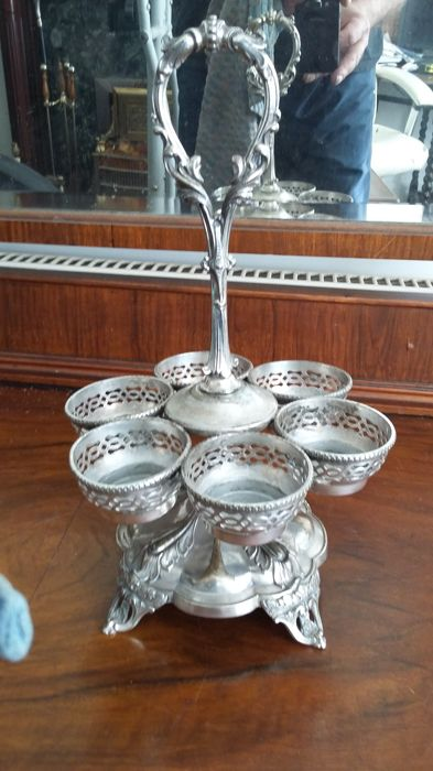 Old sheffield georgian spacy  stand /egg colder silver plated made in england.