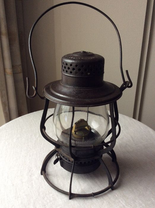 American railway lamp, period 1902, in nice condition, from Philadelphia