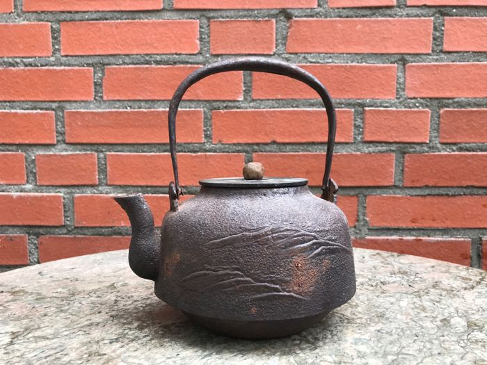 Tetsubin iron teapot - Japan - c. 1920