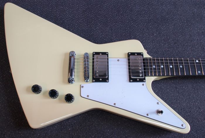 New Bach Explorer model guitar, colour: Vintage White