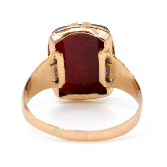 Ring feature Intaglio Carnelian in 18k Gold. 750 Dutch ...