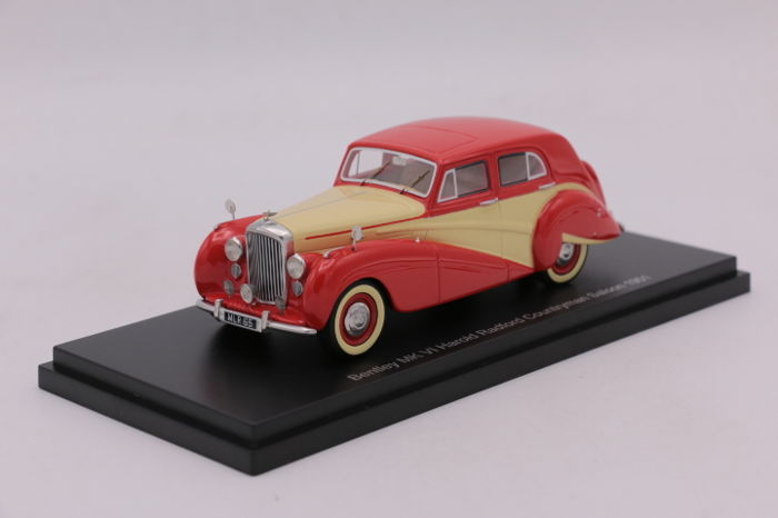 Bos - Schaal 1/43 - Bentley MK VI - Color Red