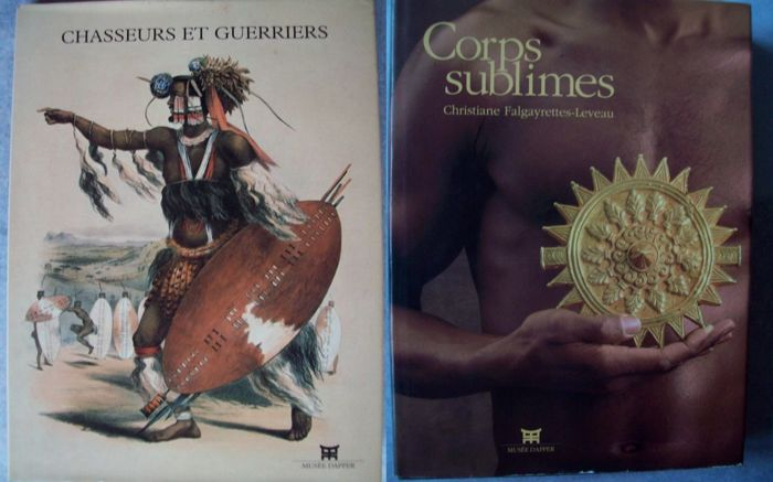 Lot with 2 books on African art and culture.
