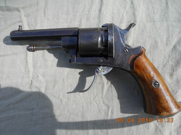 Pin fire revolver from the end of the 19th in calibre 7mm