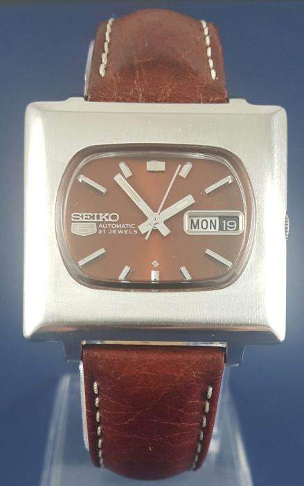 Seiko - 5 TV Case - 6119-5401 - Men - 1975