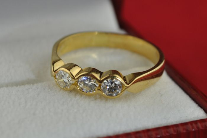 Trilogy Diamond Ring with (Tot. 0.70-0.75ct ) set on Stamped Yellow 18k/750 Gold - Size of Item (E.U Ring Size) :  57  *Re-sizable
