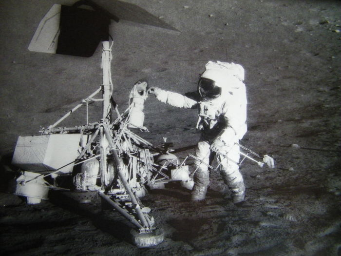 Mensen en robots op de maan: Surveyor-3 en Apollo-12