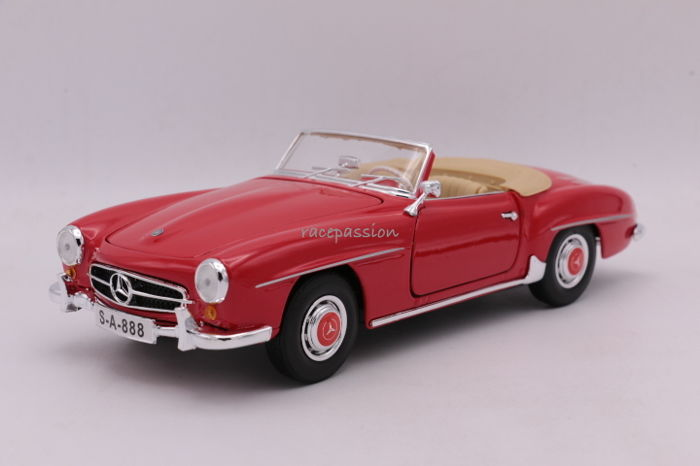 Maisto - Scale 1/18 - Mercedes Benz 190 SL - 1955 - Colour: Red - Special Edition