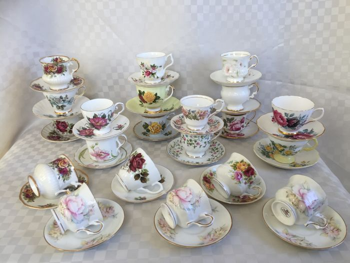 40-piece lot of English porcelain cups and saucers