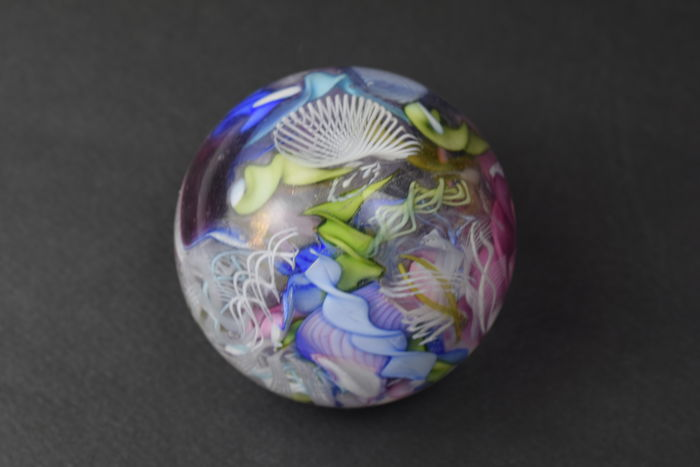 "A.VE. M.  (Murano)  - ""Bizantino"" series paperweight from the 1950s"