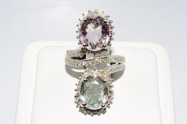 Ring in 14 kt white gold with diamonds and tourmalines Size 55-56 11.17 ct