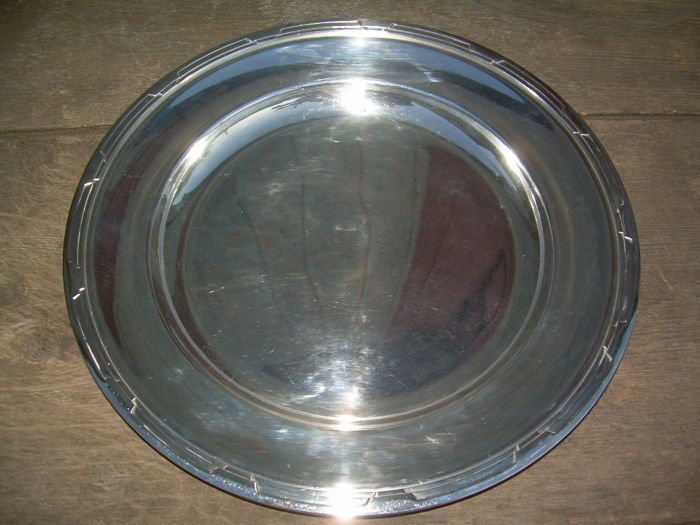 Christofle Art Déco silver plated tray diameter 32,5 cm