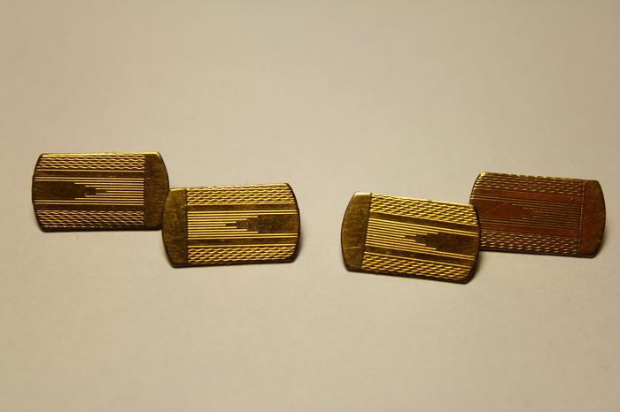Splendid cufflinks with front in 9 kt gold from the 1930s