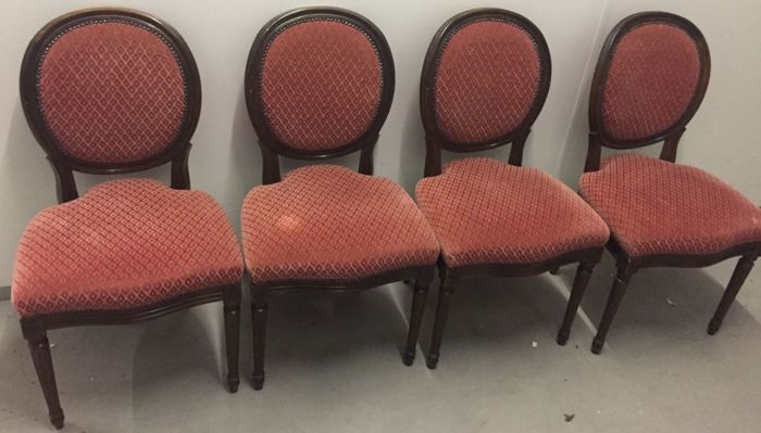 Set of four medallion seats in Louis XVI style lined with red velour - late 19th century