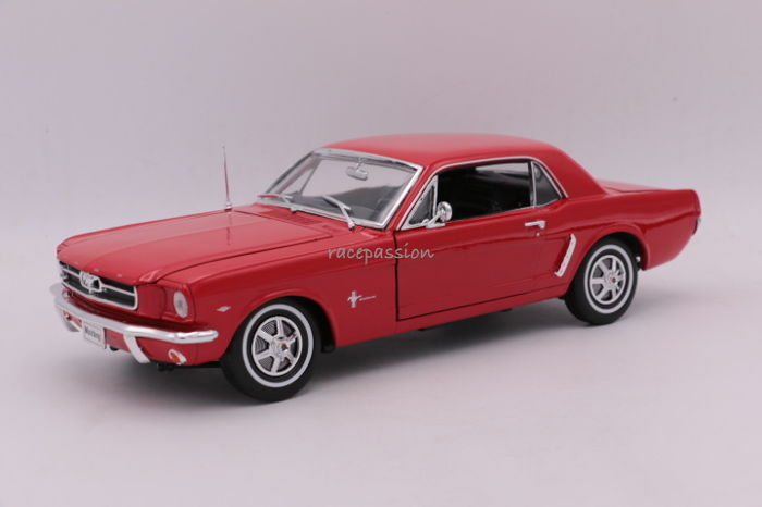 Welly - Scale 1/18 - Ford Mustang Coupé - 1964 - Colour: Red