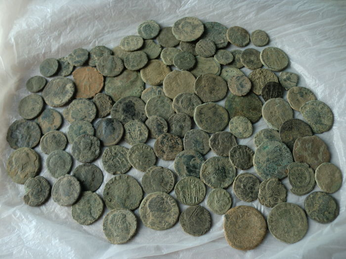 Roman Empire - Lot of 90 uncleaned Roman coins (small