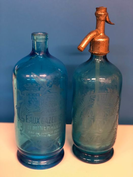 Two old syphons in blue coloured glass - era 1900 - France