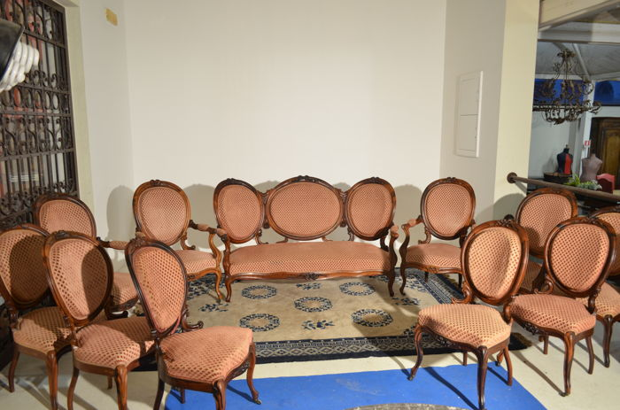 Medallion-shaped living room furniture - sofa + 4 armchairs + 6 chairs - solid rosewood - Copenhagen (Denmark) - mid-19th century