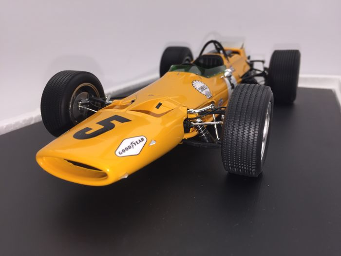 Spark Model - Scale 1/18 - Mclaren F1 M7A no. 5 Winner GP Belgium 1968 - Bruce Mclaren