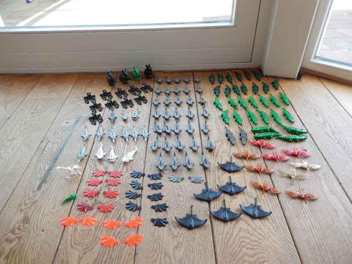 Assorted - 110 different animals, crocodiles, sharks, octopuses, rays etc.
