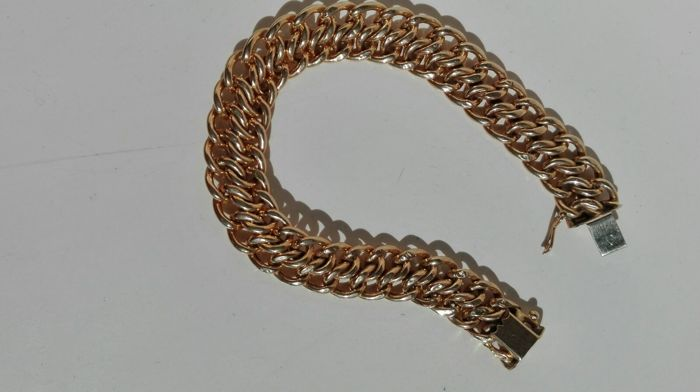Bracelet in 18 kt yellow gold 20.70 g