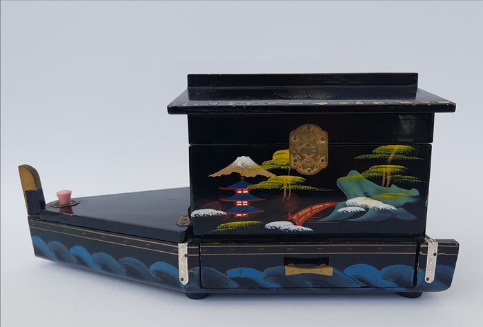 Lacquer box / music box BOAT-Jewellery box - Original