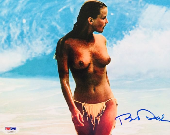 Bo Derek - Authentic Signed Autograph in Amazing Photo (20 x 25 cm) - With Certificate of Authenticity PSA/DNA Witnessed