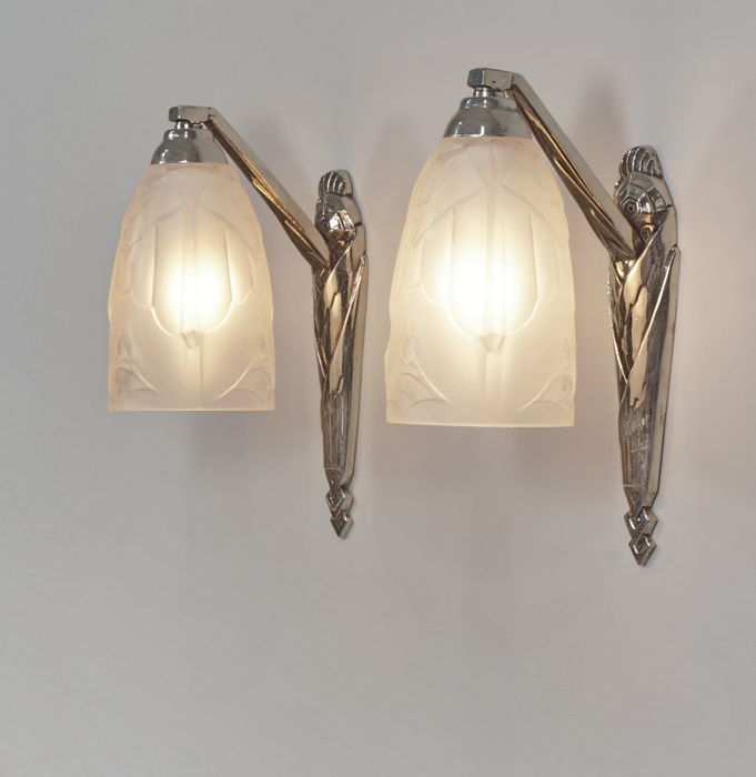 HUGUE- pair of Art Deco wall lights - sconces in nickeled bronze and ...