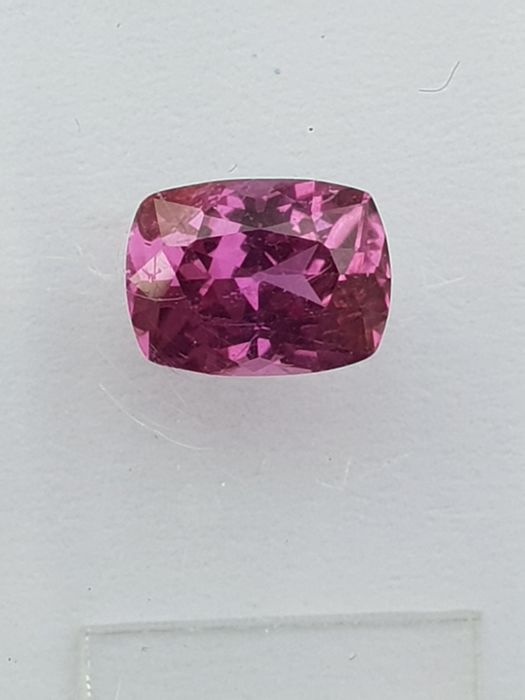 Pink sapphire - 0.97 ct