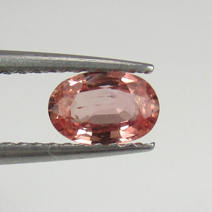 0.52 Ct - Padparadscha Sapphire - No reserve