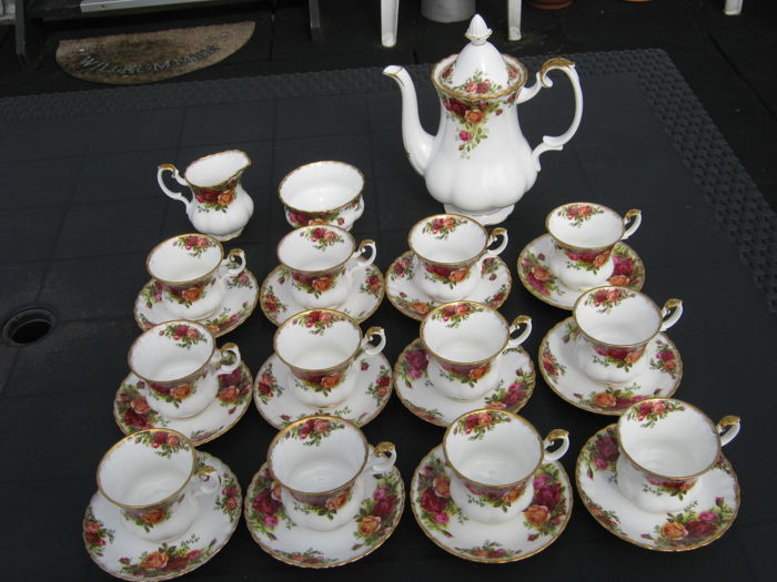 Royal Albert - 27 delig servies Old Country Roses