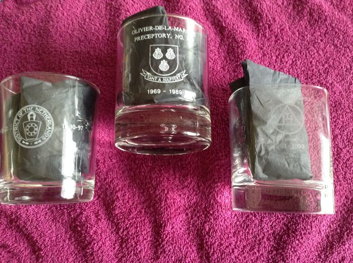 3 drinking (whisky) crystal lodge glasses