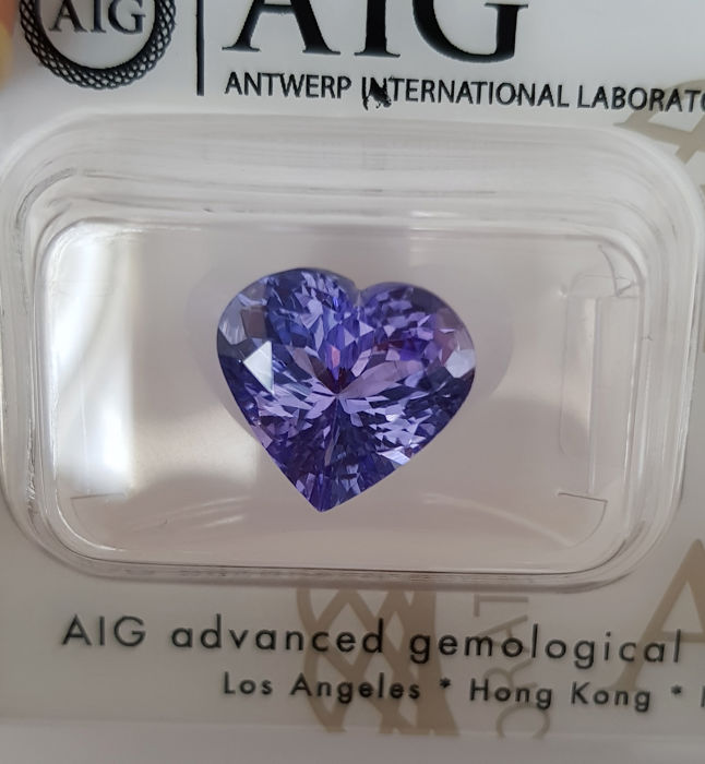 Tanzanite – 4.52 ct – fine colour quality (-eye clean-)