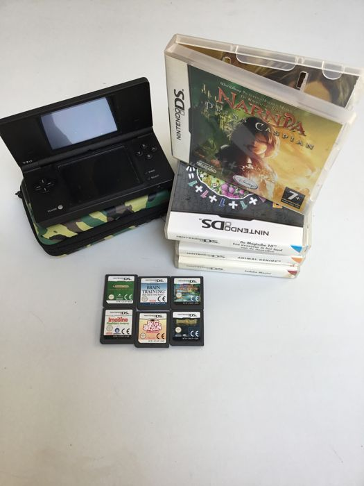 Nintendo DSi black including 11 games
