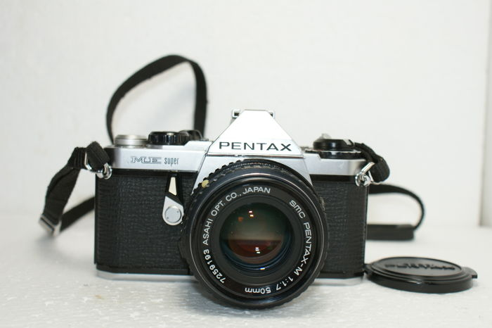 Very nice Asahi Pentax ME Super made between 1980 and 1985, with lens SMC Pentax-M 1:1.7-50 mm
