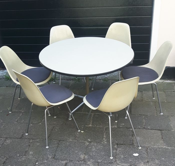 Fabulous Charles Eames Set Stoelen Met Tafel Catawiki Pabps2019 Chair Design Images Pabps2019Com